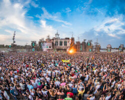 The Chainsmokers en Dimitri Vegas & Like Mike op Parookaville