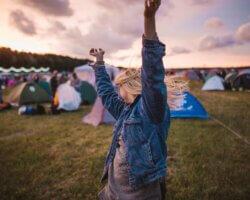 5 Party musthaves voor op de festivalcamping