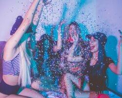 Het laatste weekend van maart goed afsluiten met een feestje?