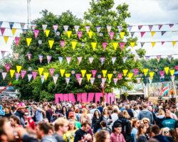 Van Silent Disco tot Jan's Feestcafé: Pinkpop maakt programma festivalcamping bekend