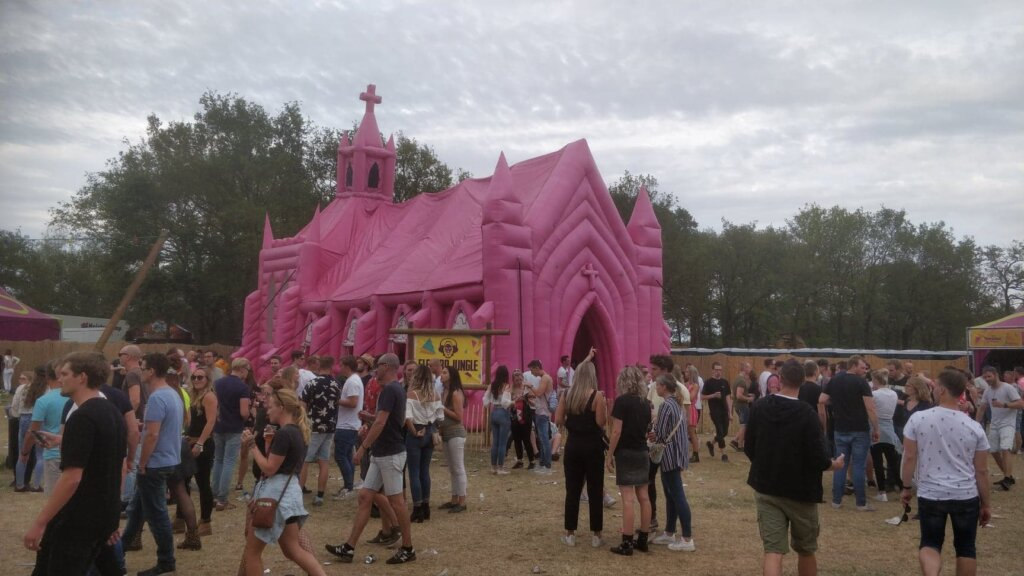 freshtival-roze-kerk