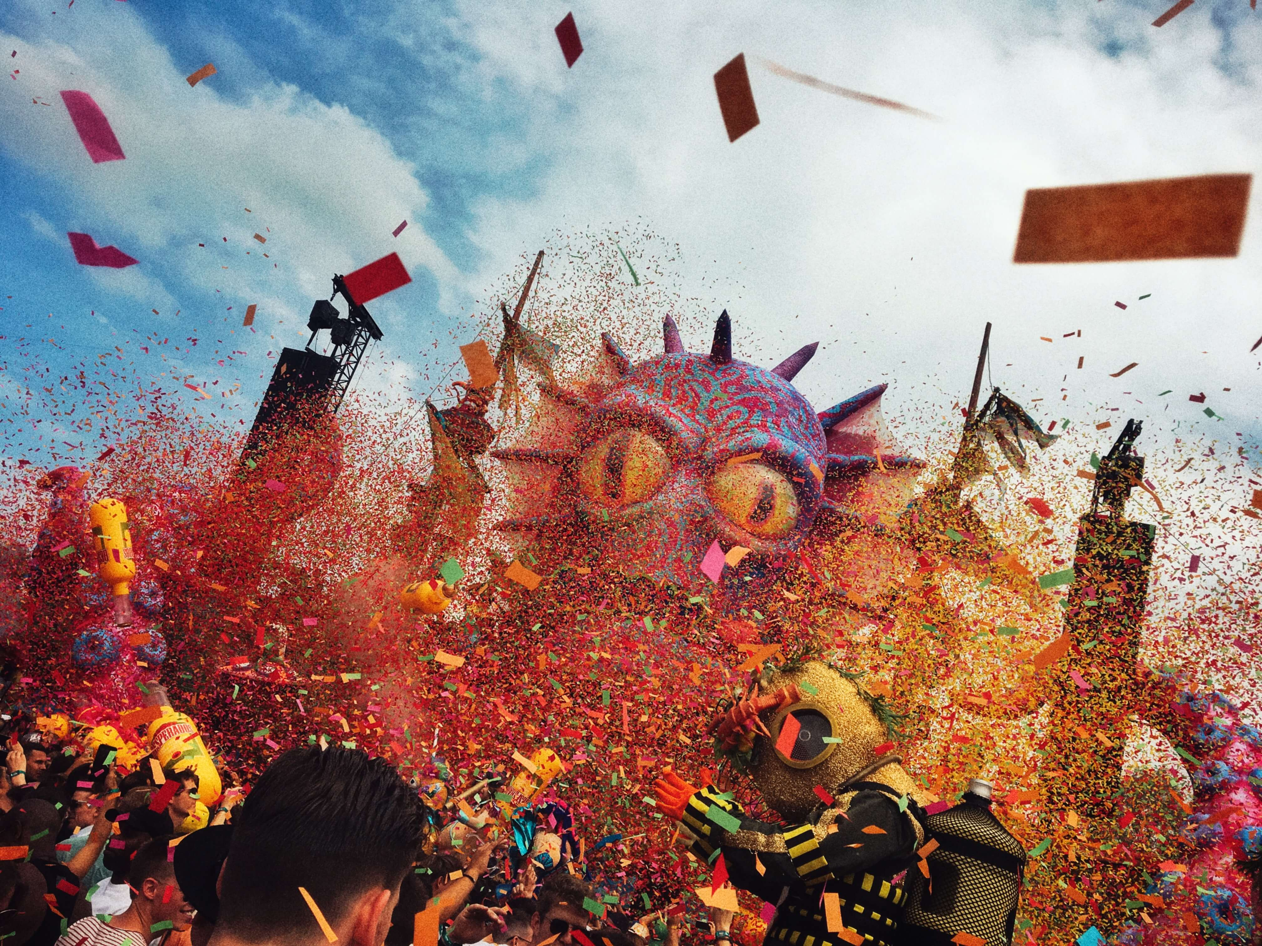 elrow_festival_town