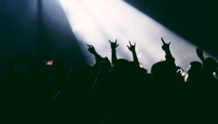 Concerten tot 5000 man weer toegestaan in Frankrijk