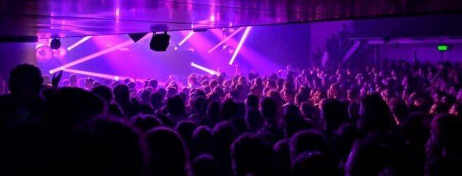 Amsterdamse clubs willen open met sneltests